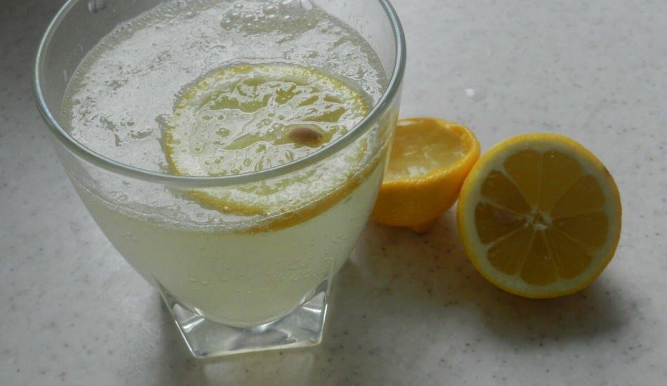 Limonun faydaları nelerdir? Bir ay boyunca limonlu ılık su içerseniz...