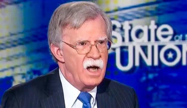 Neye uğradığını şaşırdı! John Bolton'u canlı yayında terleten iki soru