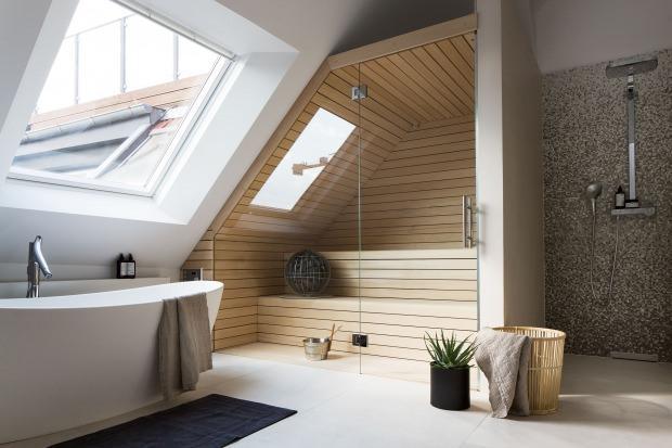 Ev sauna modeli çatı katı
