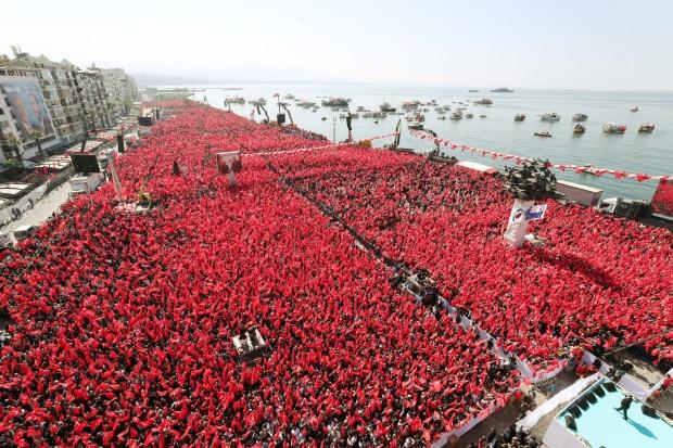 İzmir mitingine kaç kişi katıldı?