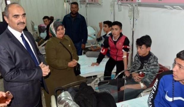 Yedikleri döner 20 öğrenciyi hastanelik etti