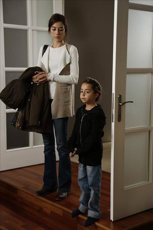 Cansu Dere ve Beren Gökyıldız - Anne