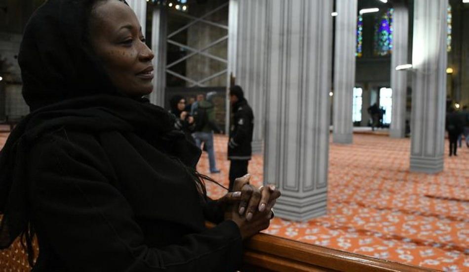 Dünyaca ünlü şarkıcı Della Milles İstanbul'da Müslüman oldu