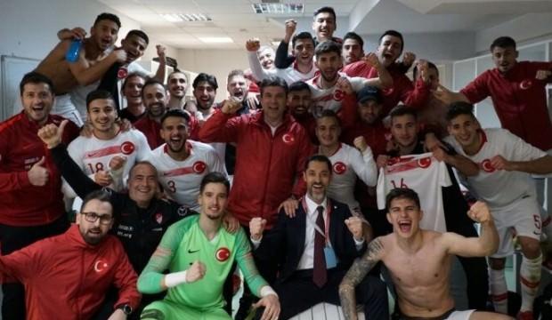 Ümit Milliler, Arnavutluk'ta 2 golle güldü!