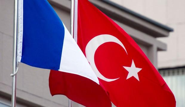 Fransa'dan Türk Bayrağı skandalı!