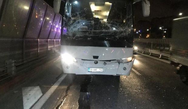 Haliç Köprüsü'nde zincirleme otobüs kazası