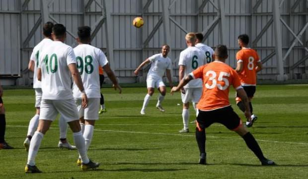 Konyaspor, özel maçta Adanaspor'u mağlup etti