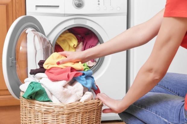 Kuru temizleme etiketi olan giysilerin bakımı