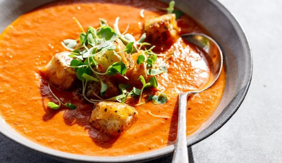 Pratik salçadan domates çorbası tarifi