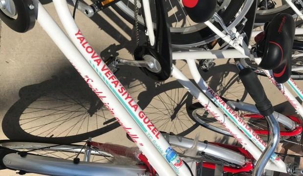 Skandal! CHP'li Yalova Belediyesi hibe olan bisikletlerle oy istedi