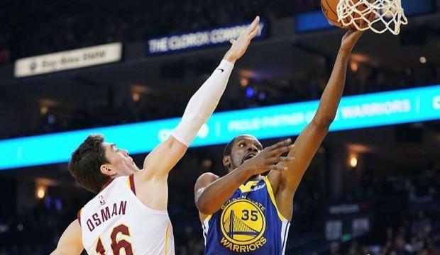 Warriors Cedi'li Cleveland'a acımadı!