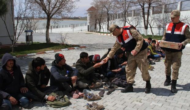Van'da 69 kaçak göçmen yakalandı