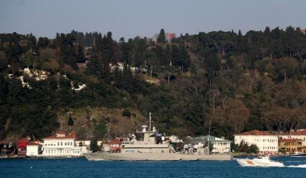 Yunan askeri gemisi İstanbul Boğazı'ndan geçti