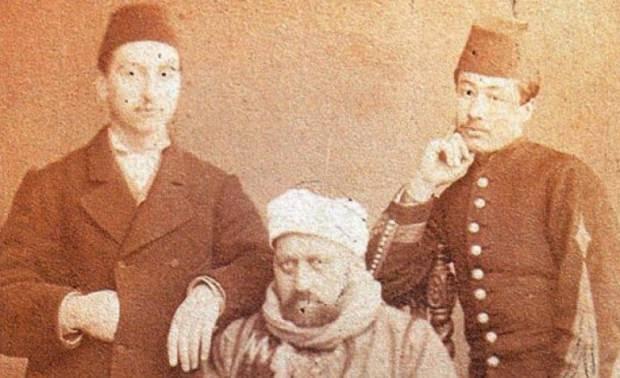 Darbe sonrası Sultan Abdülaziz'e reva görülen muamele... 2 asker ve Sultan
