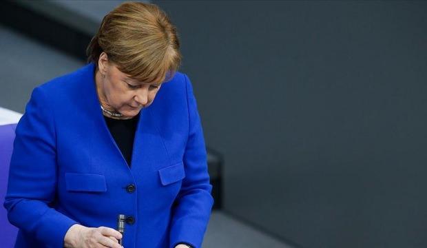 Angela Merkel'i yıkan haber!