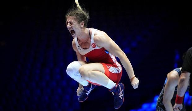 Kadın güreşçilerimiz Avrupa üçüncüsü oldu