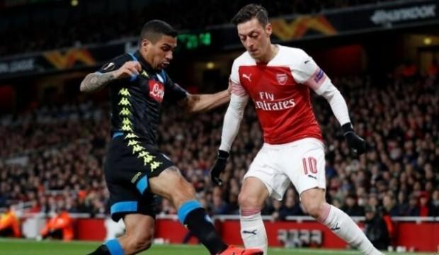 Mesut'lu Arsenal yarı final kapısını araladı!