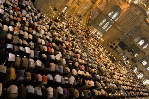 cemaatle namaz kılmanın faziletleri neler?