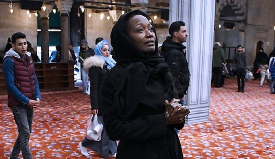 Müslüman olan ABD'li Della Miles TL'ye sahip çıktı