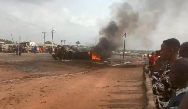 Nijerya'da yakıt taşıyan tanker patladı 2 ölü