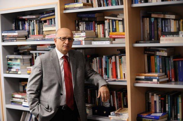 Milliyet yazarı Dr. Nihat Ali Özcan