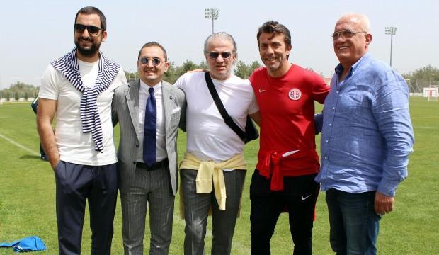 Antalyaspor antrenmanına sürpriz konuklar