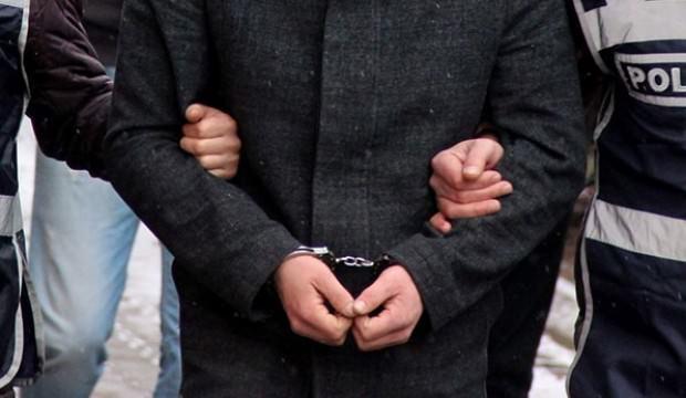 FETÖ'den aranan okul müdürü sahte kimlikle yakalandı