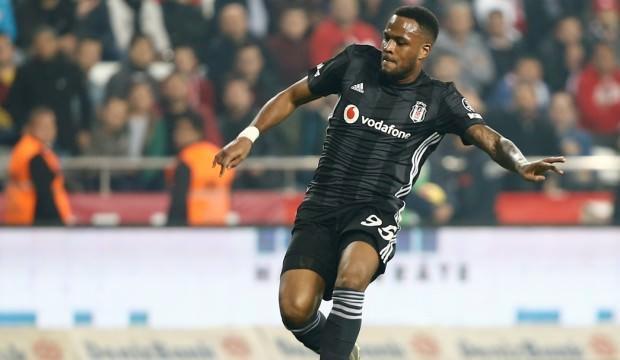 Beşiktaşlı futbolcu Larin, Dilan Çiçek Deniz'e yazdı!