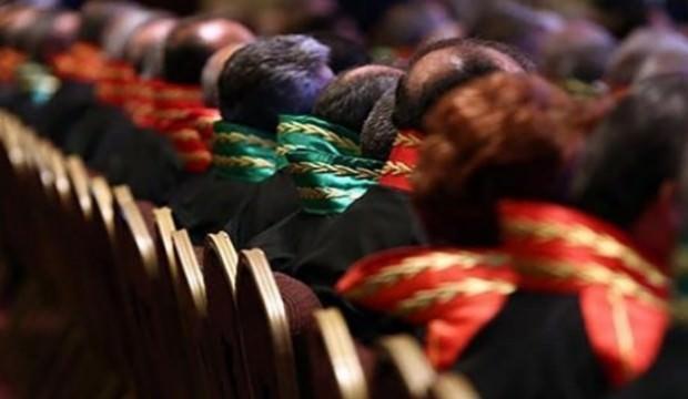 Üç bin hâkim ve savcının görev yeri değişecek