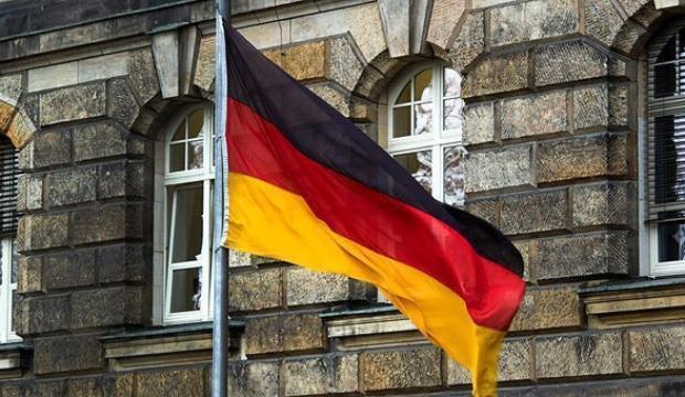 Almanya'da imalat PMI nisanda yükseldi