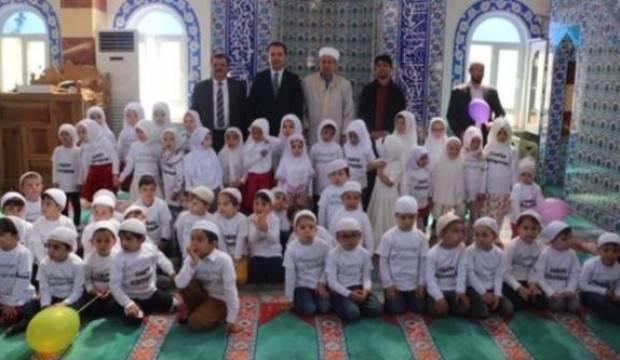 Cumhuriyet, camiye giden çocuklardan rahatsız oldu!