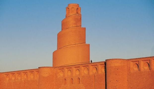 Irak'ın bin yıllık tarihi çökmek üzere!