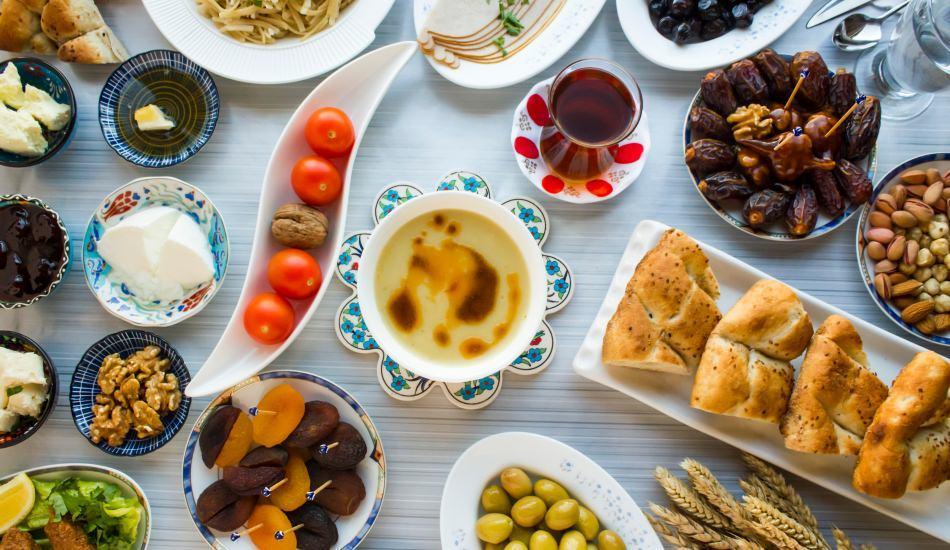 Kilo aldırmayan sahur ve iftar menüsü nasıl olur? Diyete uygun Ramazan önerileri...