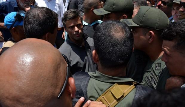 Venezuela'da muhalif lider, Şili Büyükelçiliğine sığındı