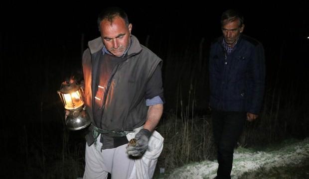 Kilosu 45 TL! Gece gaz lambalarıyla arıyorlar