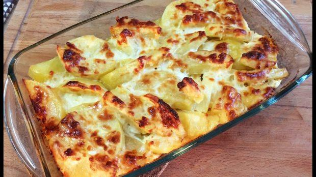 Fırında Kaşarlı Patates Tarifi