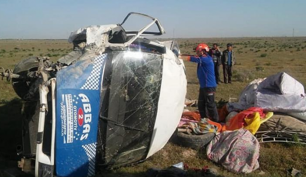 Korkunç kaza! Ortalık savaş alanına döndü! 13 yaralı
