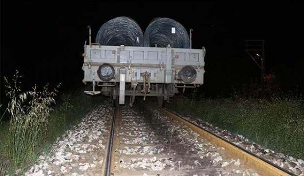 Teravih namazına giderken tren çarptı!
