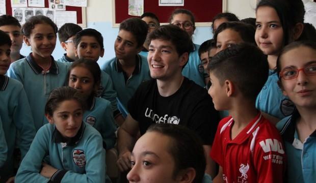 Cedi Osman öğrencilerle buluştu