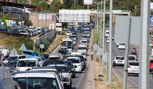 170 bin nüfuslu ilçeye 150 bin araç giriş yaptı