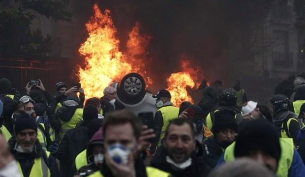 Fransa'daki Sarı Yelekliler gösterisi devam ediyor!