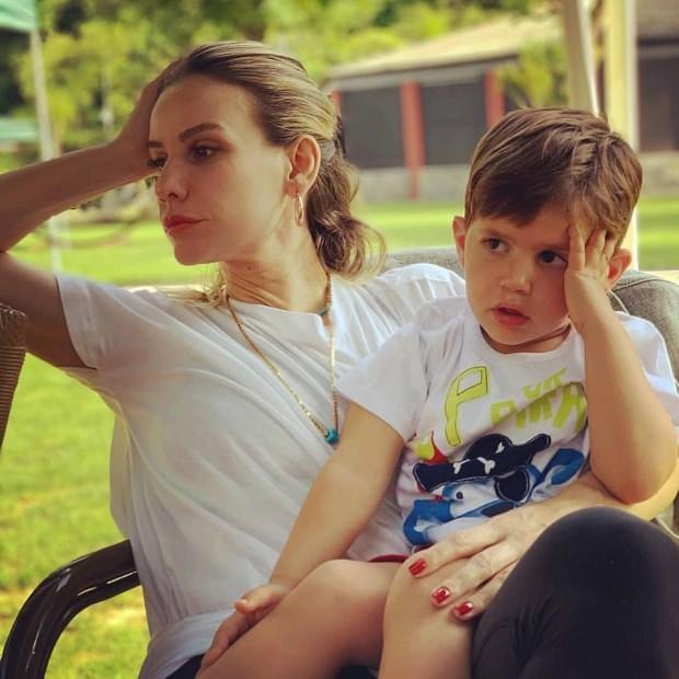 Esra Erol ve oğlu