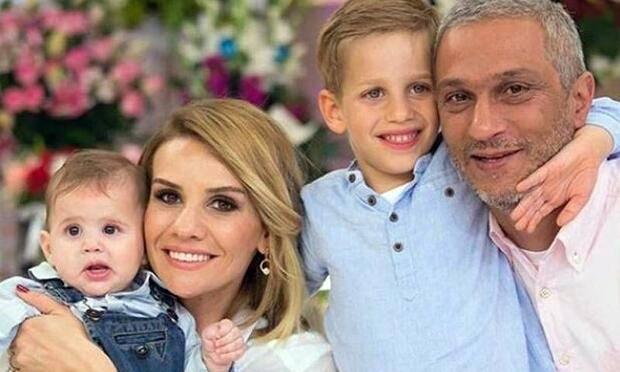 Esra Erol ve ailesi
