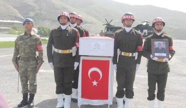 Hakkari'de şehit asker için tören