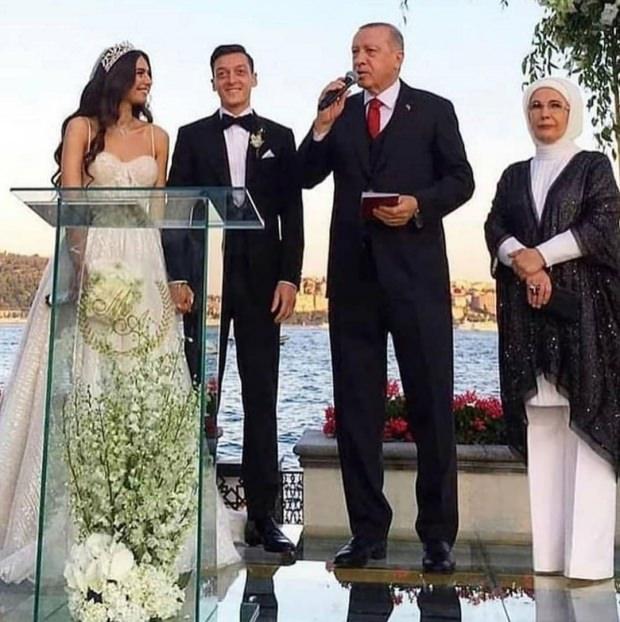 Cumhurbaşkanı Erdoğan Mesut Özil