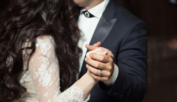 Düğün dansı ilave gelir kapısı açtı!