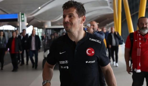 Emre Belözoğlu canlı yayında duyurdu
