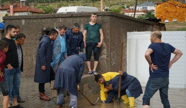 Nevşehir'de sağanak yağış su baskınlarına neden oldu
