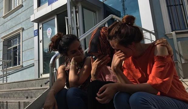 Üniversiteli genç kızlara dilenci saldırısı