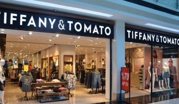 Ünlü giyim markası yarı fiyatına satıldı